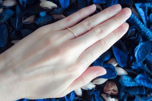 偽りの結婚指輪